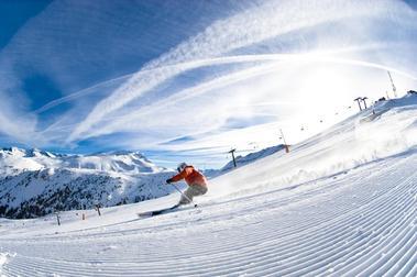 Las estaciones aragonesas buscarán captar al esquiador que se iba al extranjero