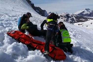 Fallece un esquiador de La Rioja al caer por un barranco en Huesca