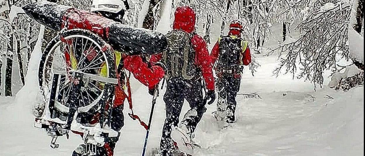 Snowboarder rescatada por un helicóptero en Gipuzkoa tras lesionarse
