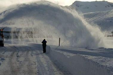 Los temporales lastran un buen inicio de temporada de esquí en León