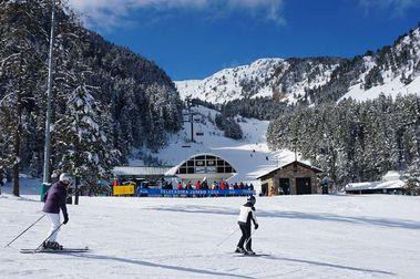 Una semana de nevadas deja en Masella medio metro de nieve extra