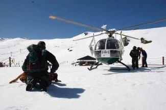 La evacuan en helicóptero en Huesca pero prefiere ir al hospital a Madrid