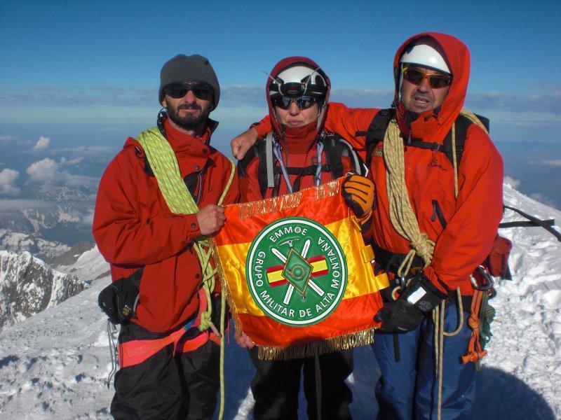Fotografía de Raquel Alejandre en la cima.