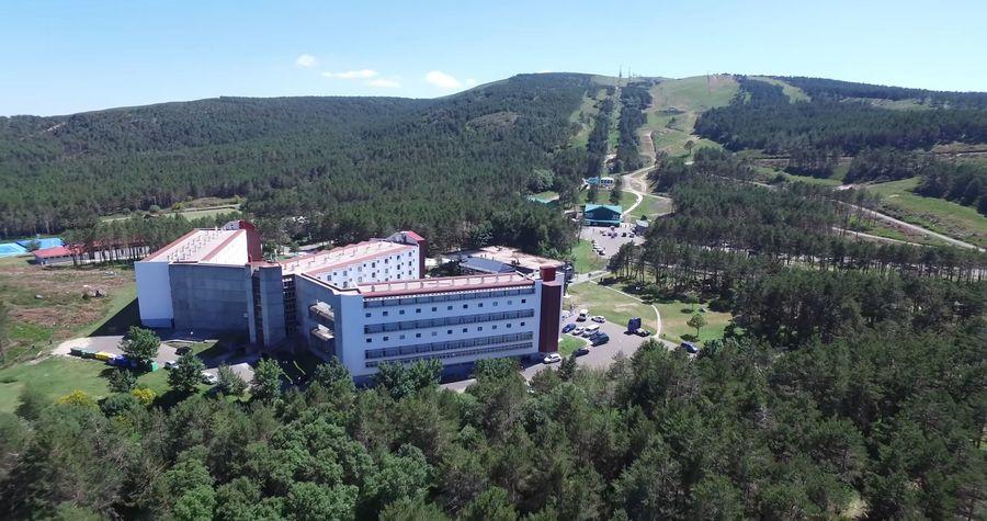 Hotel en estacion esqui Manzaneda