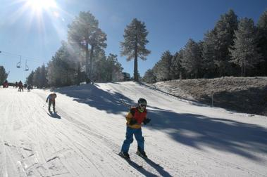 El frío estira las pistas de esquí en las estaciones de Aramón