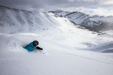 Lake Louise reducirá su dominio esquiable y lo cede a Parks Canadá