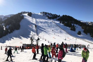 Masella cierra un Puente de alta afluencia de esquiadores