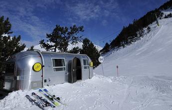 Ordino coloca una Airstream a 2.000 metros de altura