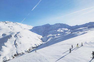 Astún podrá recibir esquiadores de las tres provincias de Aragón