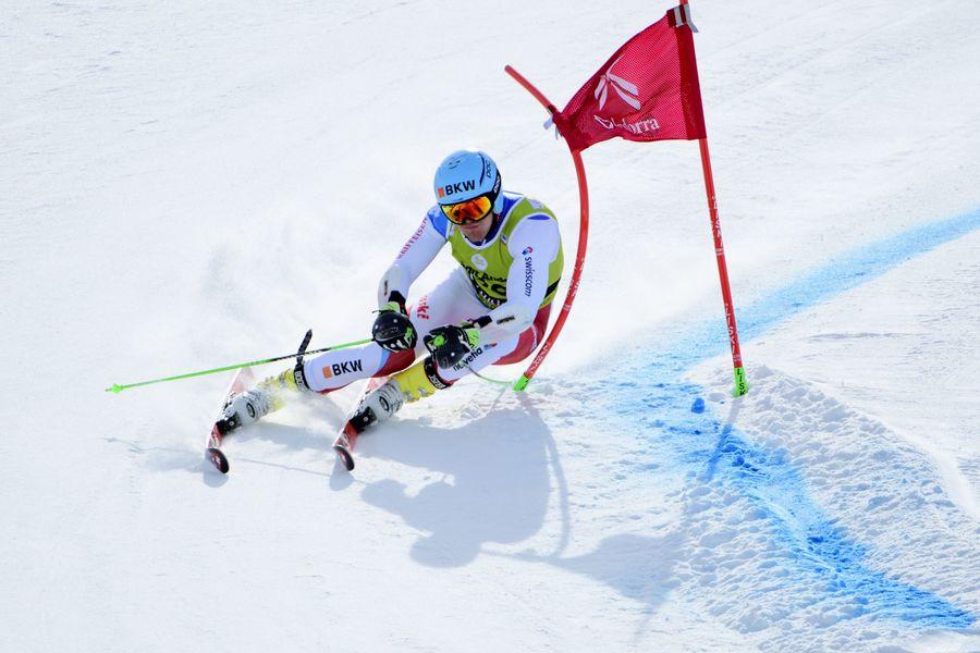 Corredores esquiando