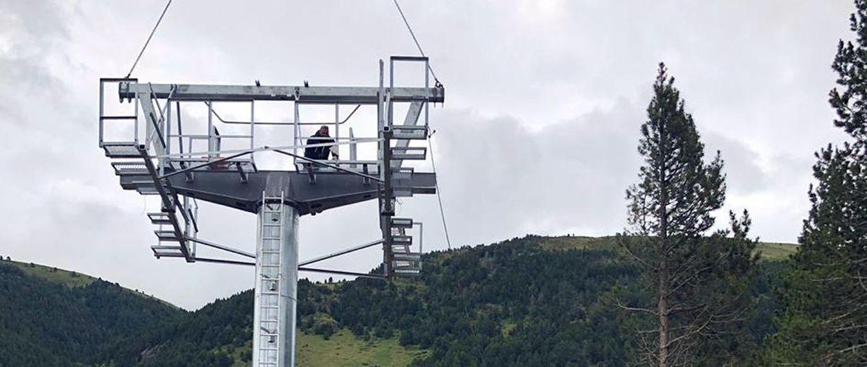 Grandvalira comienza la instalación de las nuevas pilonas del Pla de les Pedres