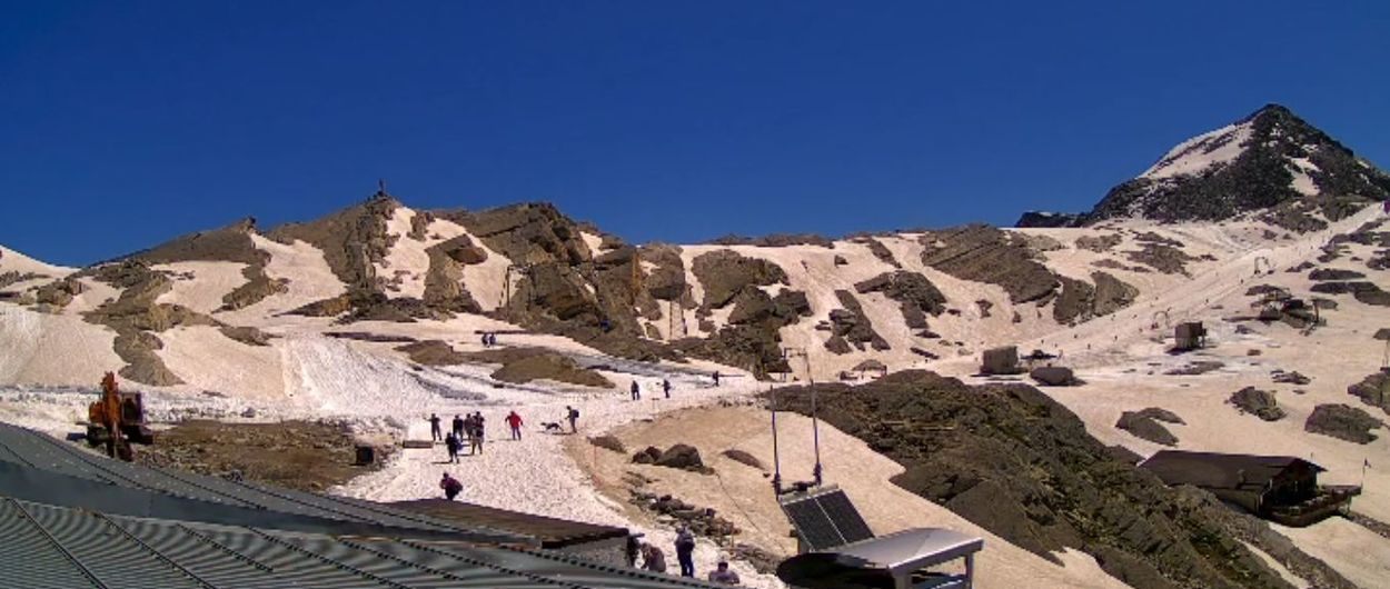 Estación de esquí italiana sin glaciar abre en pleno mes de julio