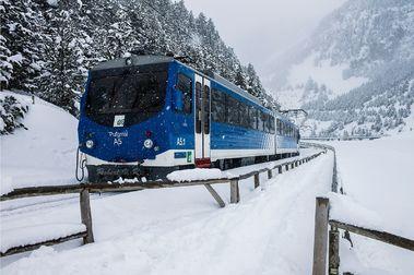 Skitren: Ir a esquiar en tren a La Molina por el precio de 1 fortait