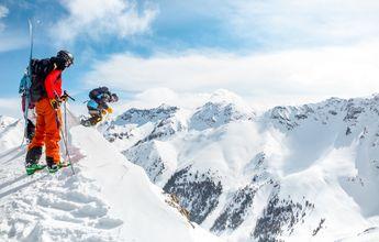 La nueva moda: alquilar una estación entera para esquiar con tus colegas