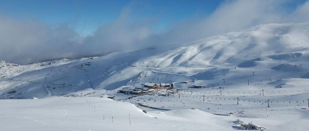 Las negras de Sierra Nevada se empiezan a abrir a los esquiadores