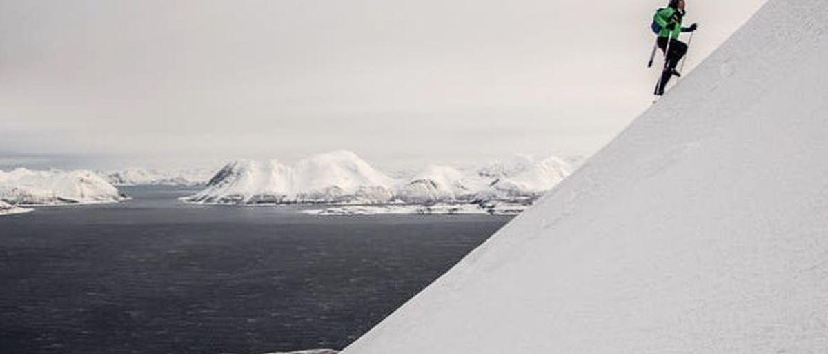 Kilian Jornet destroza el récord de desnivel positivo alcanzando 115,6 km/h con esquís