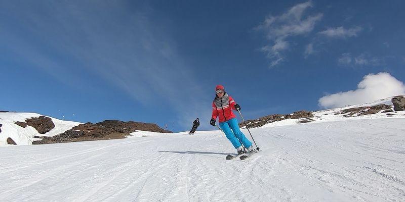 Claves para esquiar en Sierra Nevada y no morir en el intento