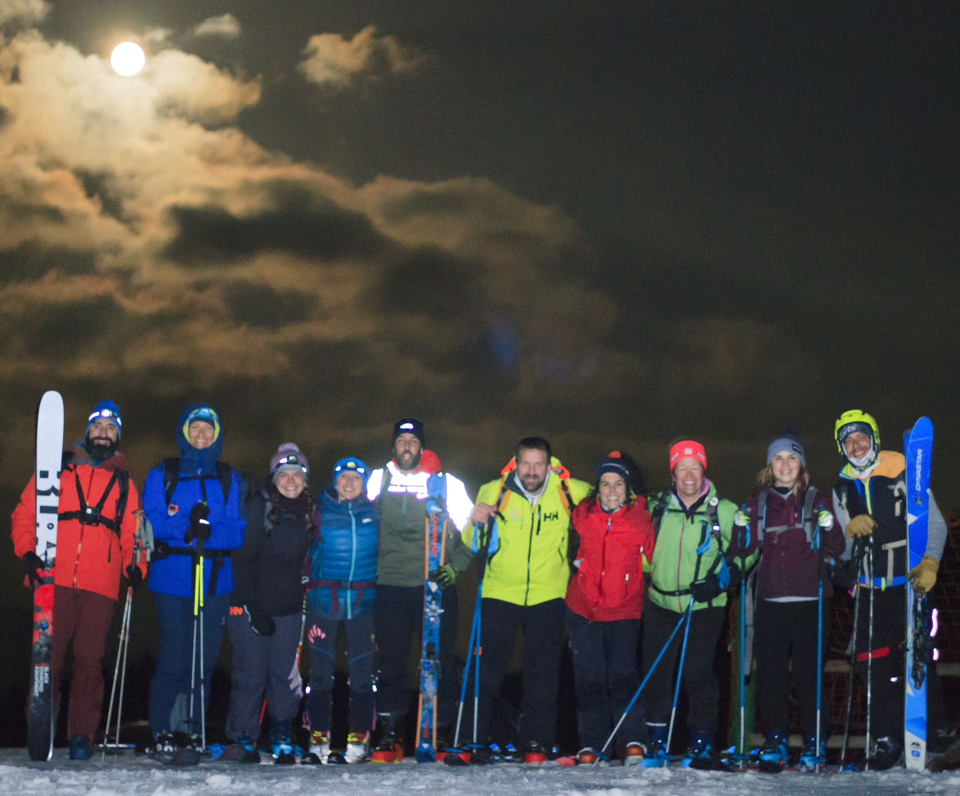 Esquí y luna llena