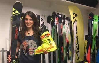 Nuria Pau elige esquís y botas Fischer