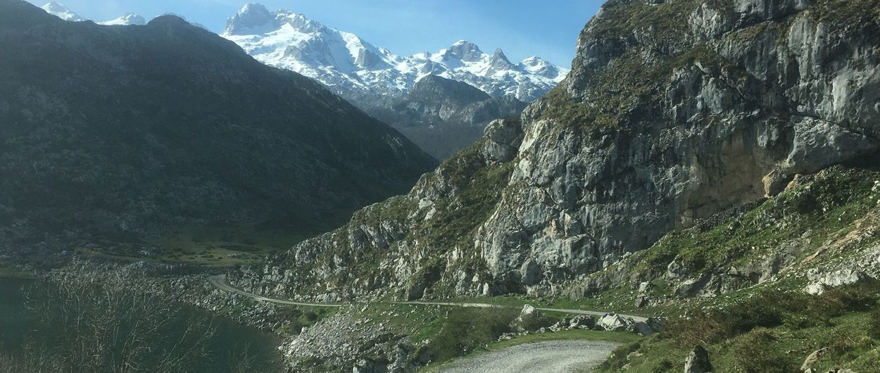 Disfrutando de las aproximaciones a la nieve en Picos de Europa