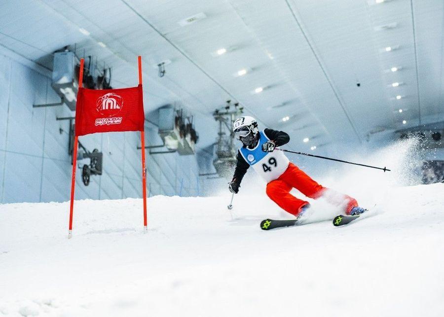ski dubai race ski