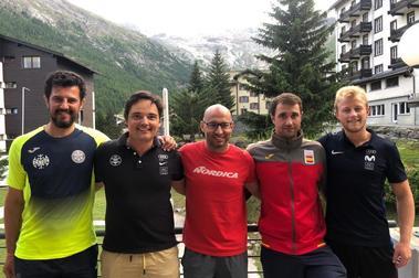 Cinco técnicos aragoneses entrenan a nuestros esquiadores en Saas Fee