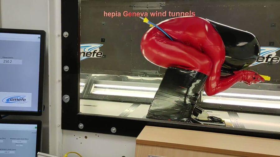 Ricardo Adarraga en el tunel de viento