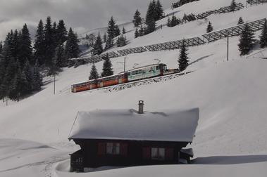 El tren rojo de Villars  - O comboio vermelho de Villars