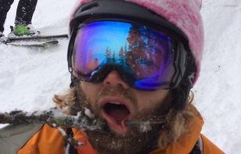 Una rama de árbol perfora su labio mientras esquiaba