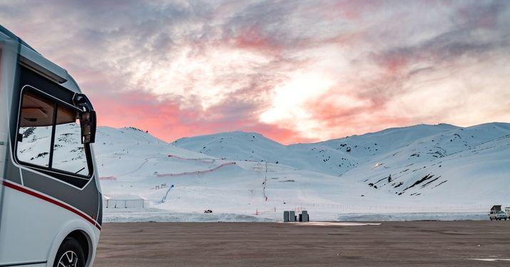 Esquí + Autocaravana: Libertad y Diversión Aseguradas