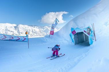 Los italianos pasan el túnel del Montblanc para esquiar en Francia