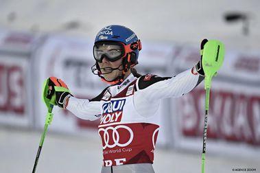 Petra Vlhova gana el Slálom de Are y ya es líder de la General de la Copa del Mundo de esquí