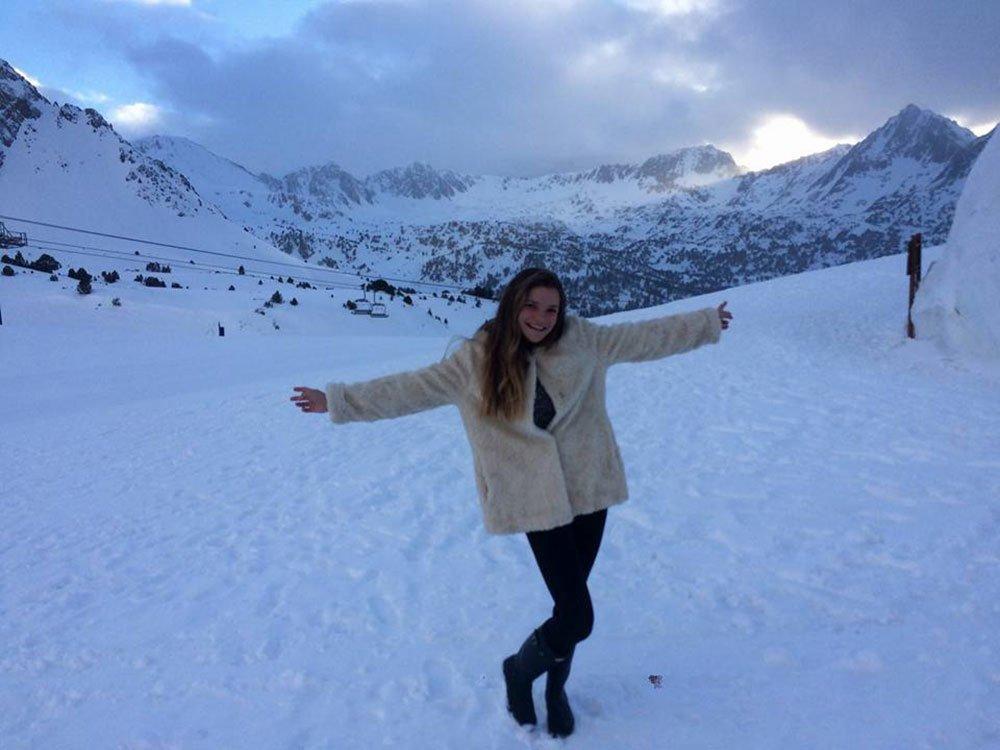 Nieve vogulys mujer