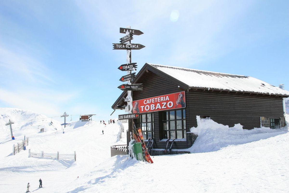 Candanchú esquí cafetería Tobazo