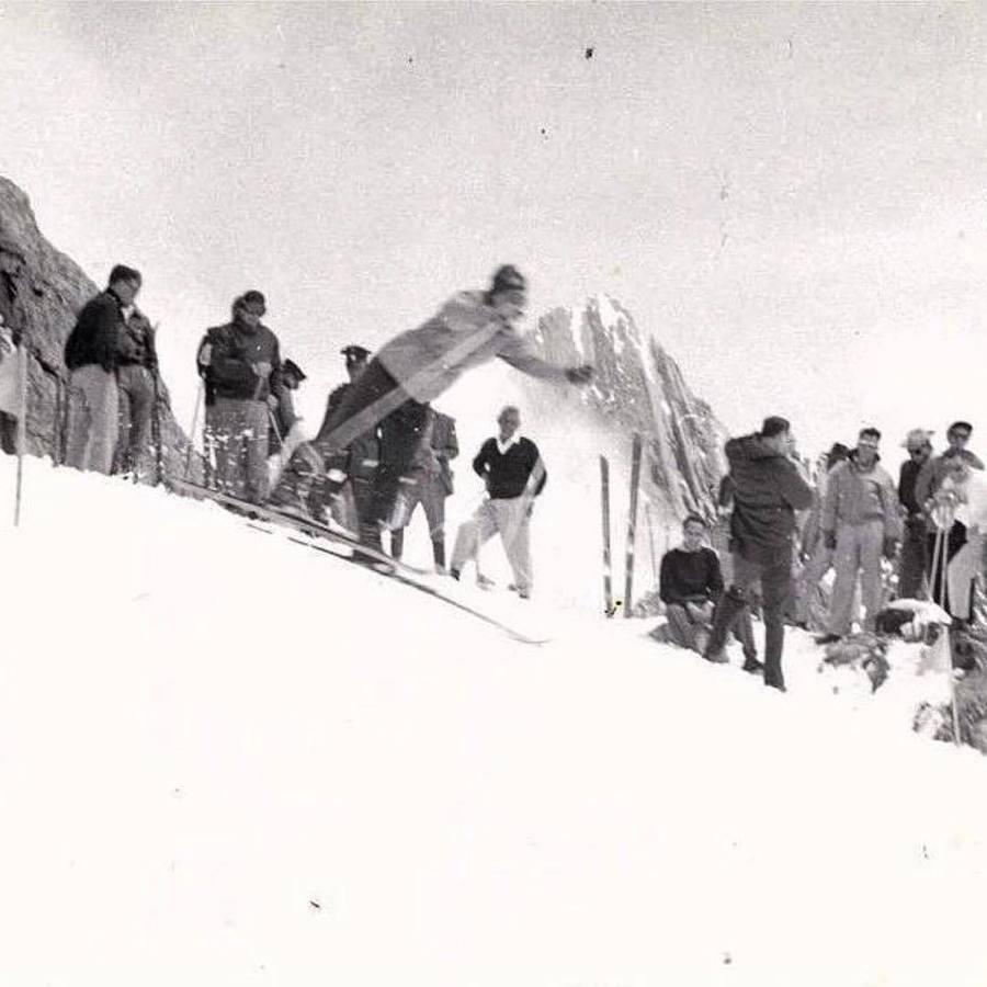 El glaciar del Pico Espejo (4.765 m.) acogió en octubre de 1956 el primer y último Campeonato Nacional de Esquí