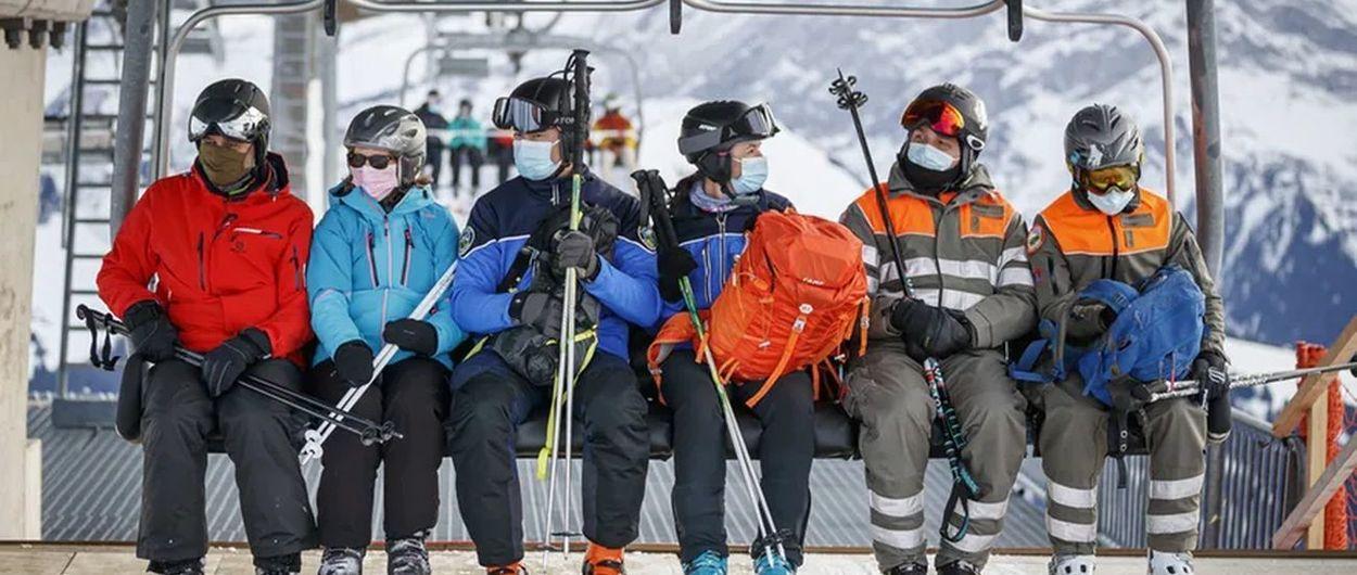 Suiza estudia exigir certificado COVID para acceder a sus estaciones de esquí