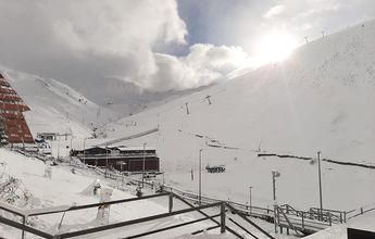 Astún abre también este próximo sábado con 15 km de pistas de esquí