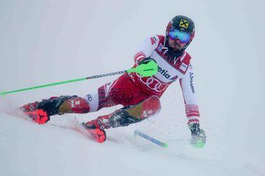 Marcel Hirscher logra su noveno triunfo en Adelboden