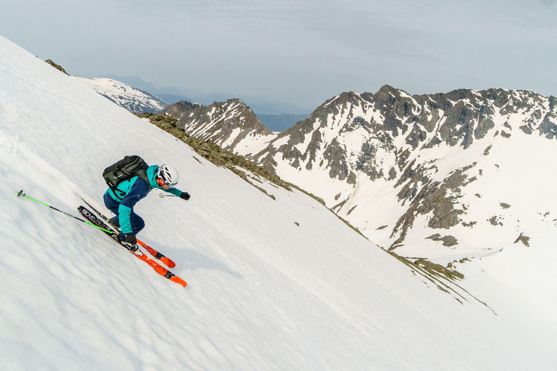 Esquiando en los fiordos de Noruega