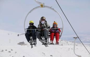 Alto Campoo ya se acerca a las cifras de esquiadores del año pasado
