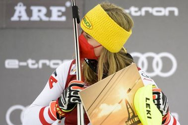 Katharina Liensberger se queda el segundo Slálom de Are