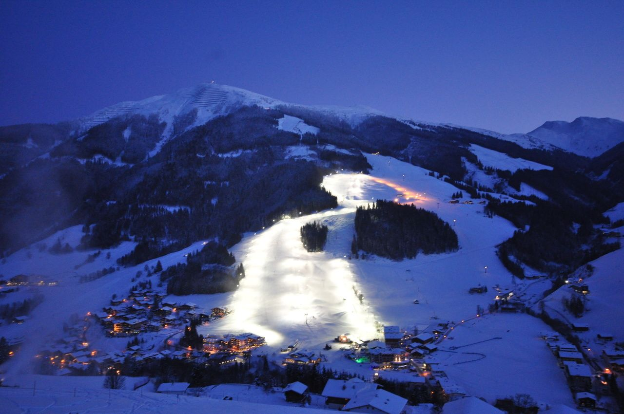 Austria ski night