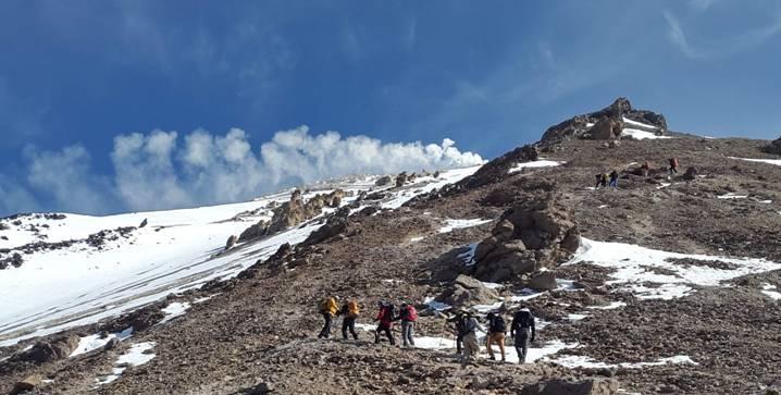 En el volcán más alto de Asia