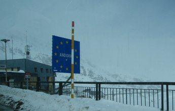 Andorra dividirá a los turistas entre esquiadores y compradores