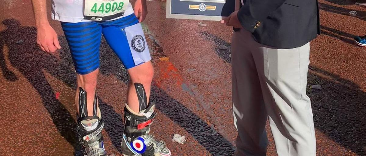 Nuevo Récord Guinness de correr una Maratón en botas de esquí