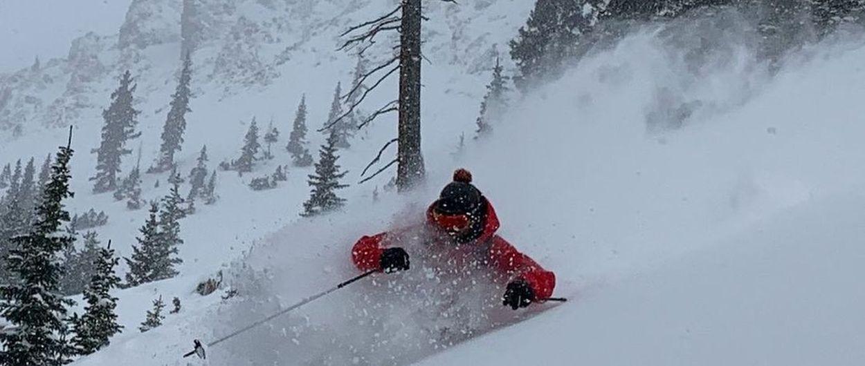 Los Ski Patrol de Silverton Mountain prueban el primer polvo de la temporada