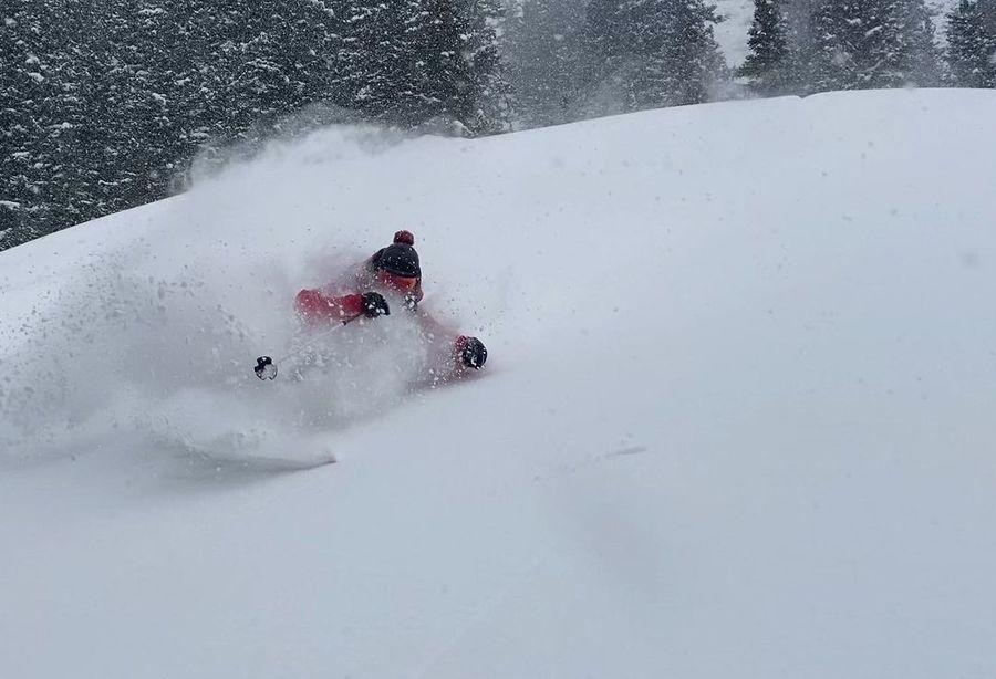 Fotos de esqui en nieve poolvo en Silverton Mountain