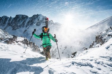 FGC lanza un nuevo forfait exclusivo para esquí de montaña