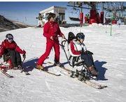 Arranca en Sierra Nevada la temporada de esquí alpino para personas con discapacidad