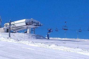 Manzaneda abre su temporada de esquí este fin de semana